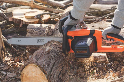 BLACK+DECKER CS1518 15amp 18-Inch Cordless Chainsaw