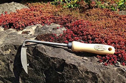 DeWit Right Hand Cape Cod Weeder with Short Handle