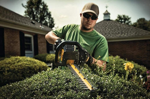 DEWALT DCHT860M1 40V Lithium-Ion Battery Hedge Trimmer