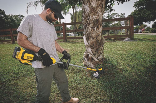 DEWALT Commercial Brushless Grass Trimmer - DCST920P1
