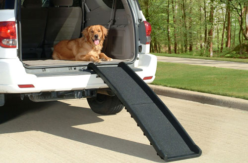 Solvit Ultralite Bifold Pet Car Ramp for Outdoors