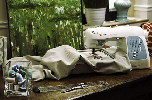 SINGER Futura XL400 Portable Sewing and Embroidery Design Machine