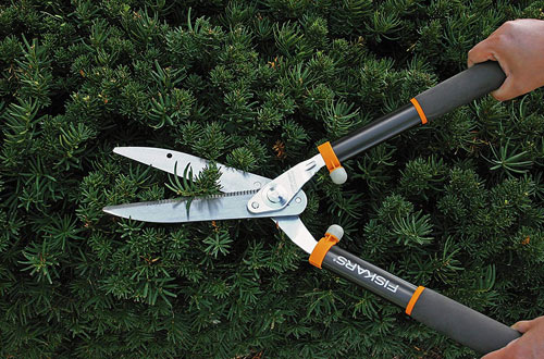 Fiskars Power-Lever Hedge Shears with Soft Grip Handle